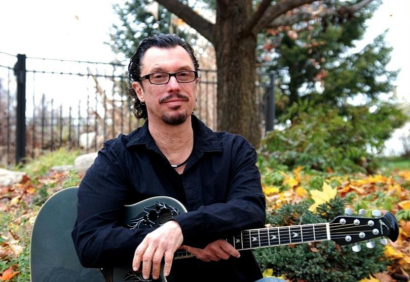 Ryche Chlanda - new Renaissance guitarist